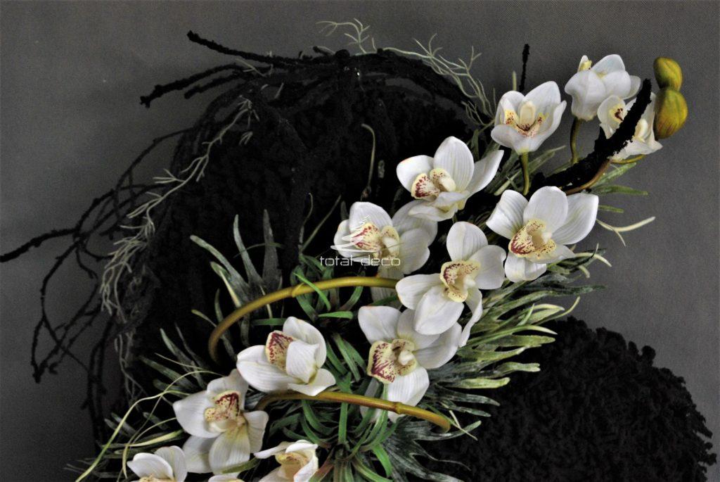 serce dekoracja na wszystkich świętych z gumowym białym cymbidium i pięknymi dodatkami